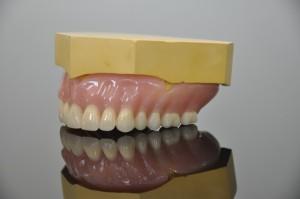 Independent Dentures 11
